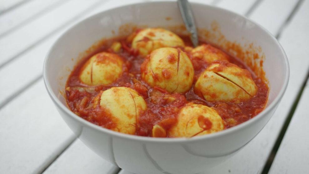 Eggs in Tomato Sauce, Myanmar Style